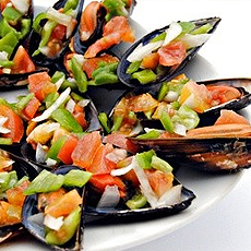 Steamed mussels with pepper vinaigrette