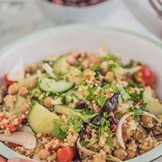 Ensalada mediterránea con vinagre de manzana